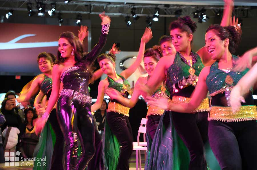 Bollywood colors of Neha Dhupia and her dancers