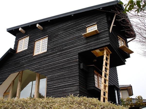 Black-Home-Exterior-05