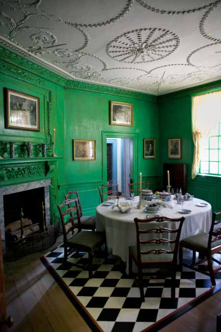 Mount Vernon Green Small Dining Room