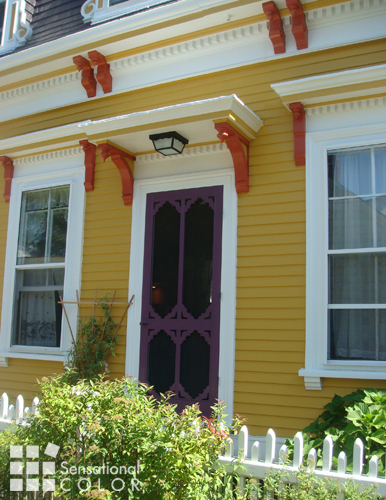 Awe Inspiring 5 Reasons This Exterior Color Scheme Stands Out Largest Home Design Picture Inspirations Pitcheantrous