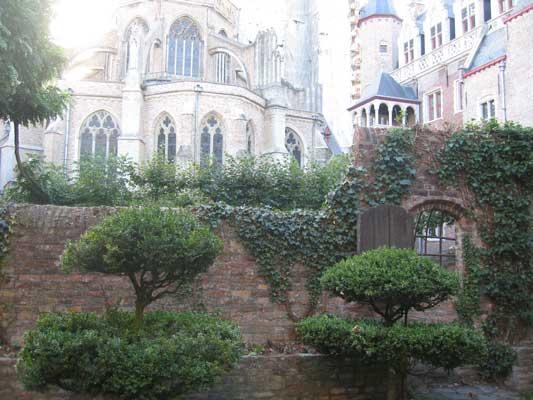 Vert de Gris baroque church