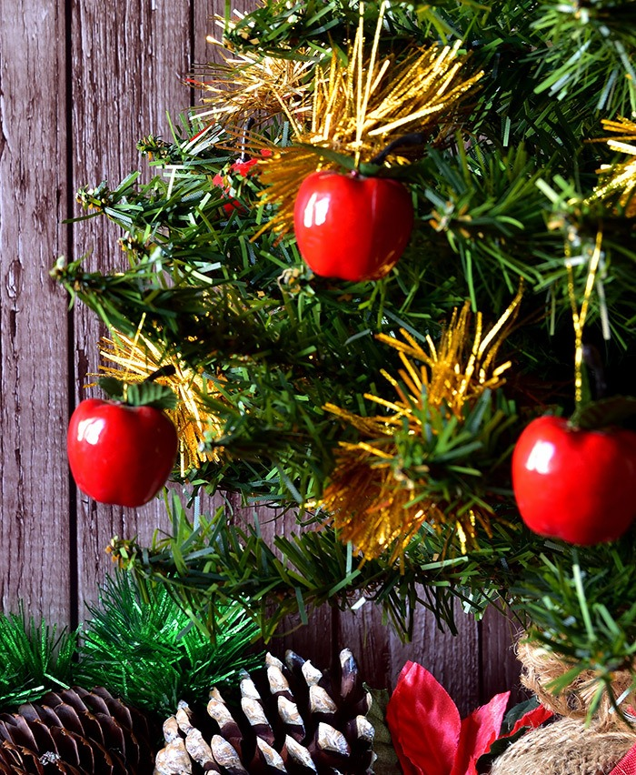 Red Apples on Pine Tree - Original Christmas Tree Decorations